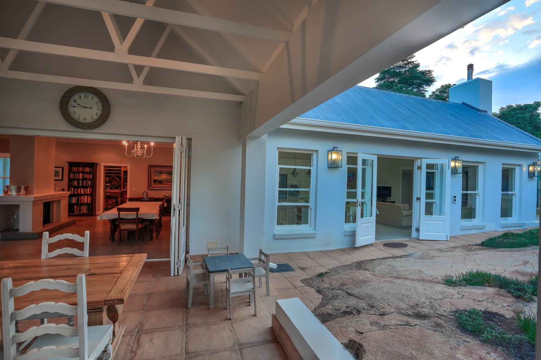 Maison unifamiliale pour l Vente à A house in Bryanston Johannesburg, Gauteng Afrique Du Sud