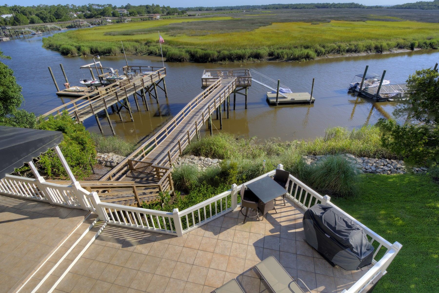 Single Family Home for Active at 5 Dunbar Creek Point Dr. St. Simons Island, Georgia 31522 United States