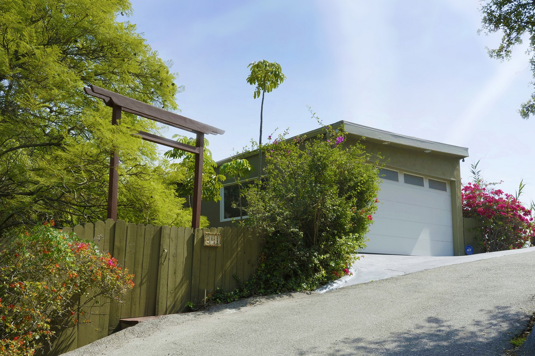 Single Family Home for Sale at 841 N Beverly Glen Blvd Los Angeles, California, 90077 United States