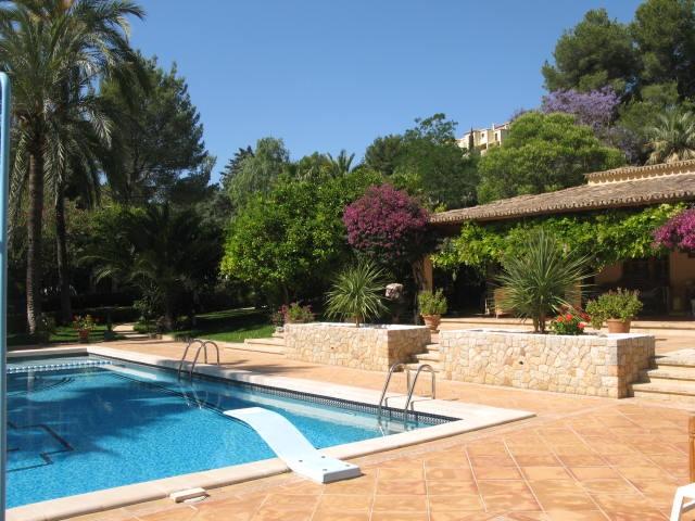 Einfamilienhaus für Verkauf beim Großzügige Luxus-Villa in Son Vida Palma Center, Mallorca 07013 Spanien