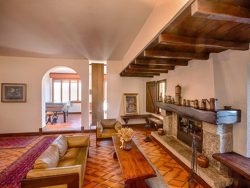 Additional photo for property listing at Uncomparable farmhouse the heart of Monferrato Strada Costa Rossa Fubine, Alessandria 15043 Italie