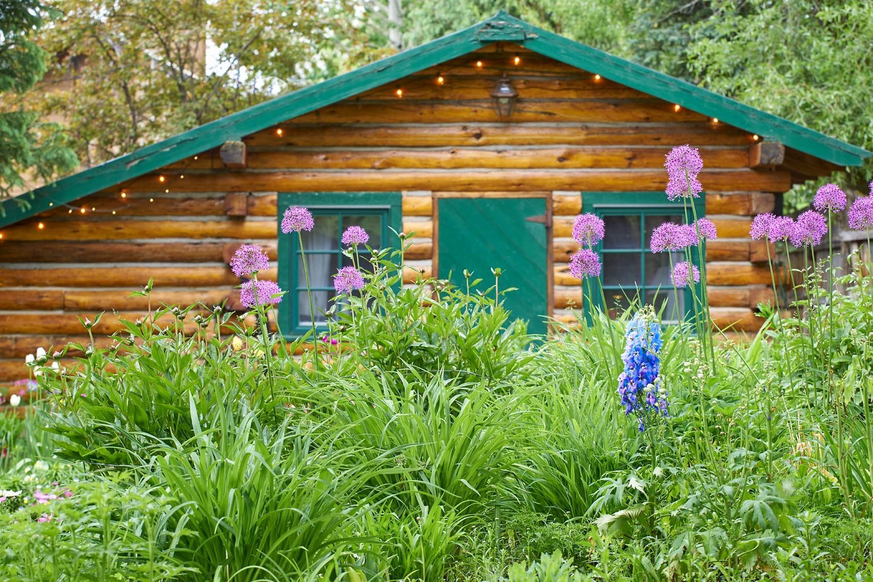 Einfamilienhaus für Verkauf beim Historic Downtown Home 701 Princeton Ave Steamboat Springs, Colorado 80487 Vereinigte Staaten