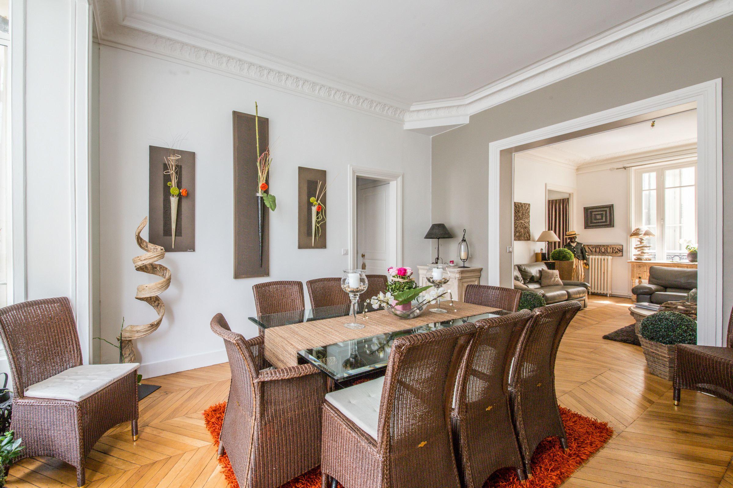 Apartamento por un Venta en Apartment - Arc de Triomphe Paris, Paris 75017 Francia