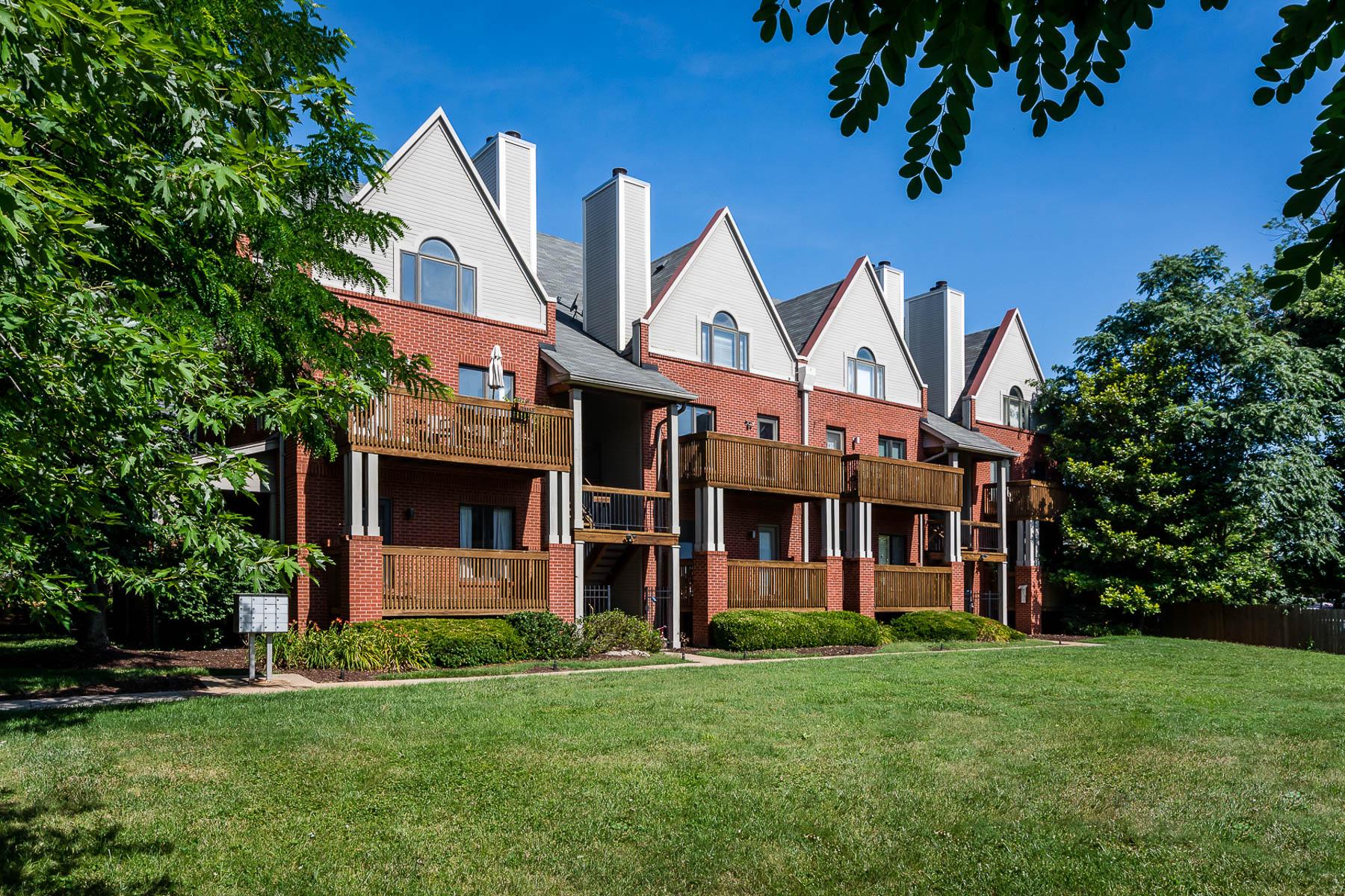 Condominium for Sale at West Pine 4111 West Pine # 12 St. Louis, Missouri, 63108 United States