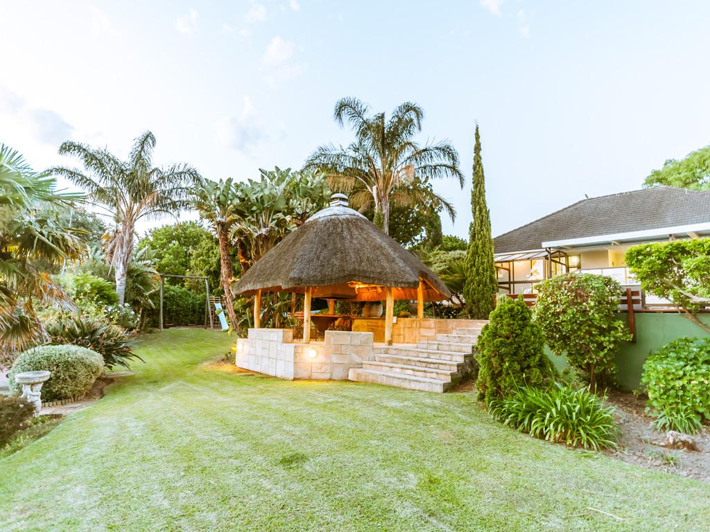 Maison unifamiliale pour l Vente à Family Home in Briza Somerset West, Cap-Occidental, 7130 Afrique Du Sud