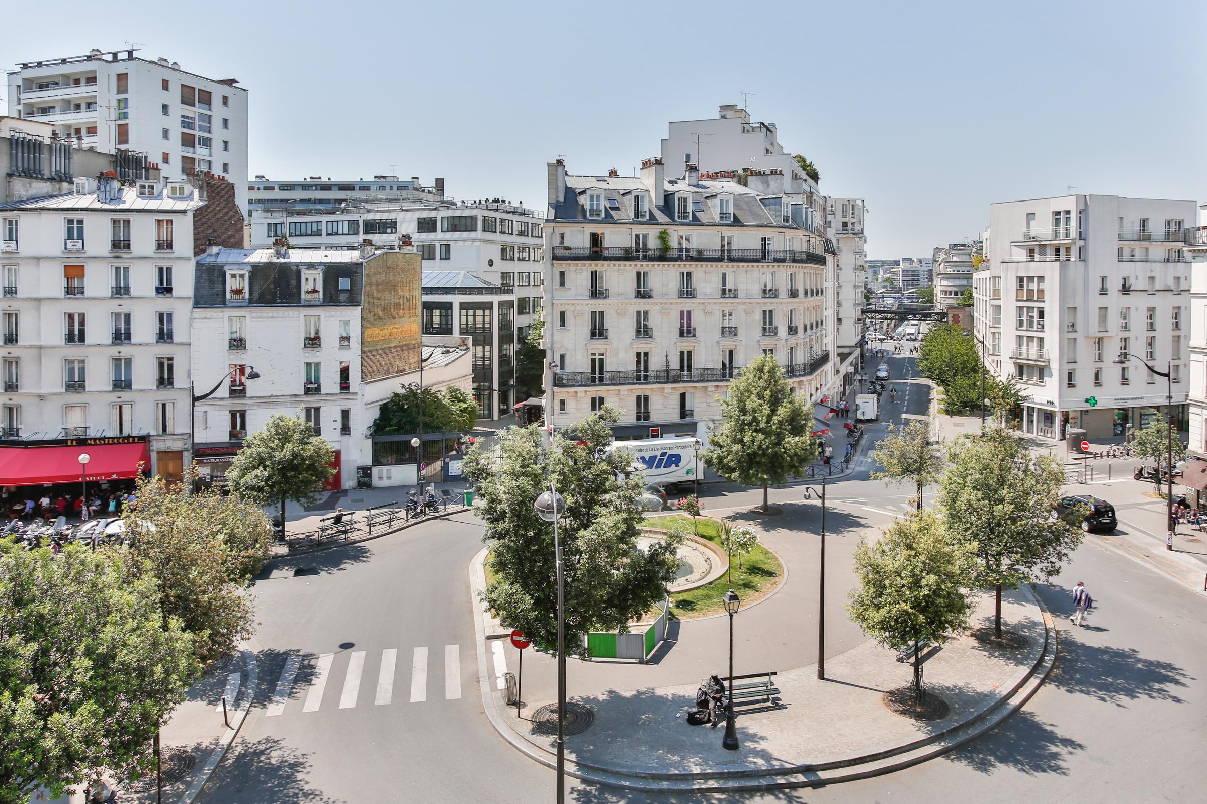Квартира для того Продажа на Apartment - Gare de Lyon Paris, Париж 75012 Франция