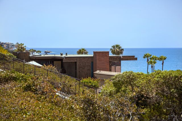 Single Family Home for Sale at 3047 Ocean and 3036 Breakers 3047 Ocean Boulevard Corona Del Mar, California 92625 United States