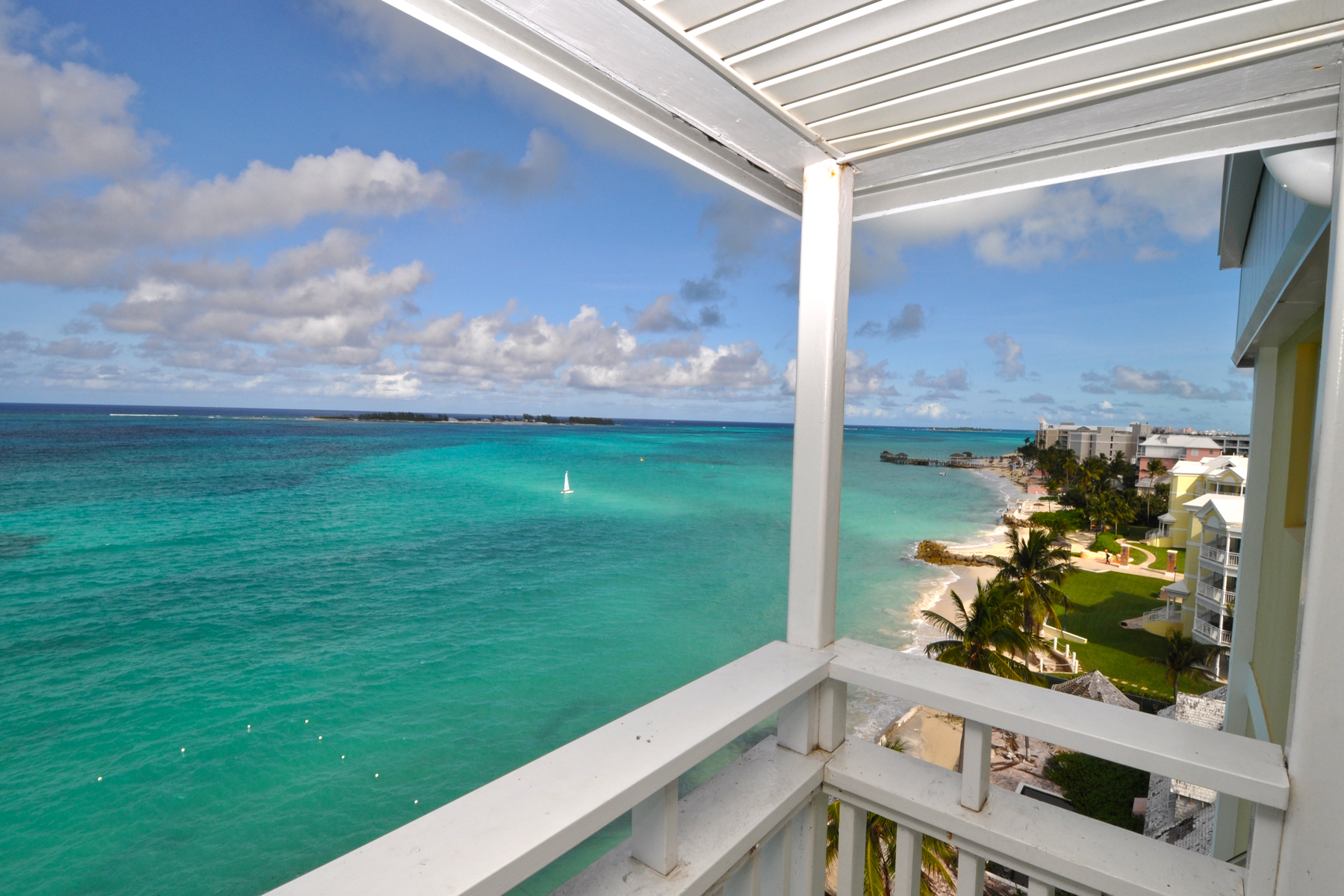 Additional photo for property listing at Conchrest Penthouse, Cable Beach Conchrest, Cable Beach, New Providence/Nassau Bahamas