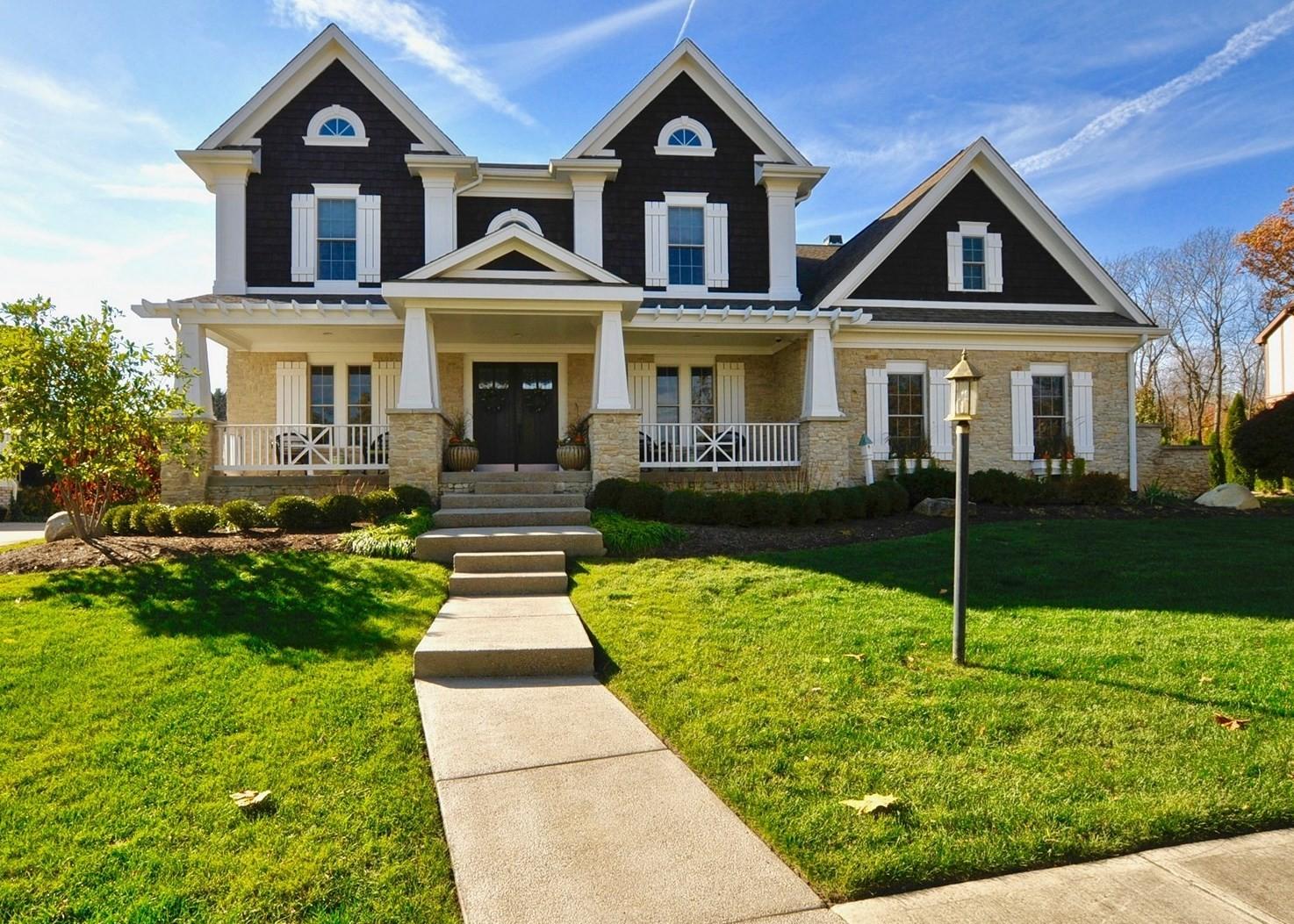 Casa para uma família para Venda às Custom Arts & Craftsman Home 5331 Randolph Crescent Carmel, Indiana, 46033 Estados Unidos