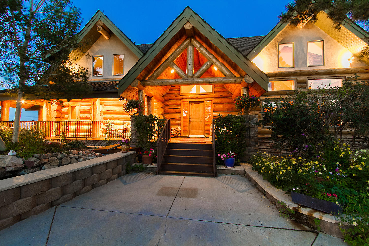 Single Family Home for Sale at Storybook Log Home 10973 Mill Hollow Road Littleton, Colorado, 80127 United States