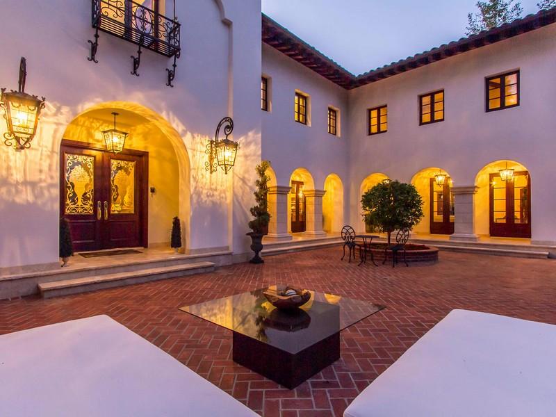 独户住宅 为 销售 在 4009 Valley Meadow Rd Encino, 加利福尼亚州 91436 美国