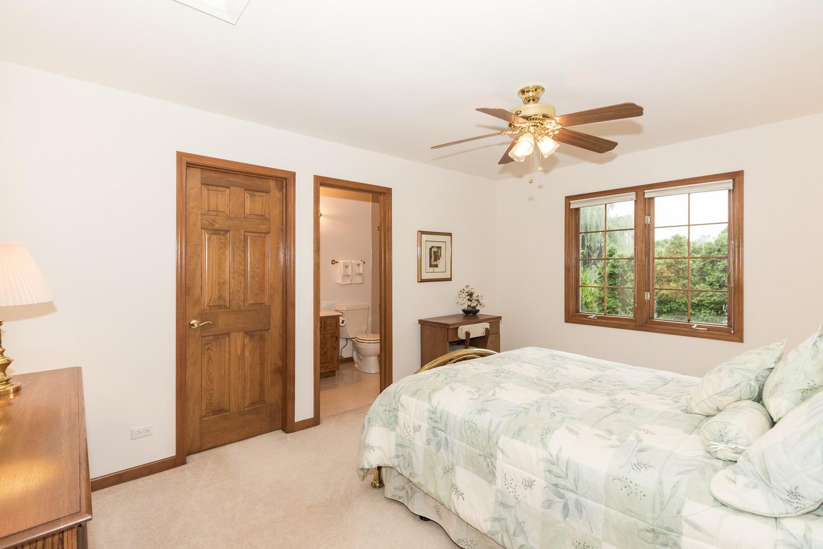 Additional photo for property listing at 2163 Canterbury 2163 Canterbury Lane Lisle, Illinois 60532 United States