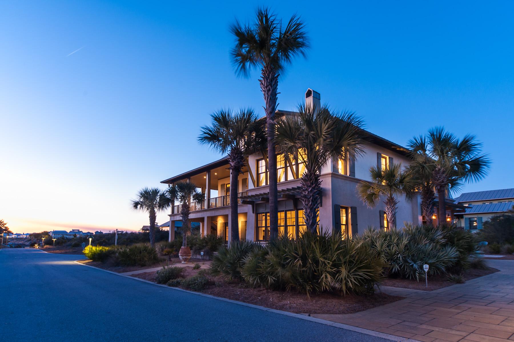 独户住宅 为 销售 在 CARIBBEAN STYLE ON THE GULF COAST OF NORTHWEST FLORIDA 94 W Saint Lucia Lane 圣罗莎, 佛罗里达州, 32459 美国