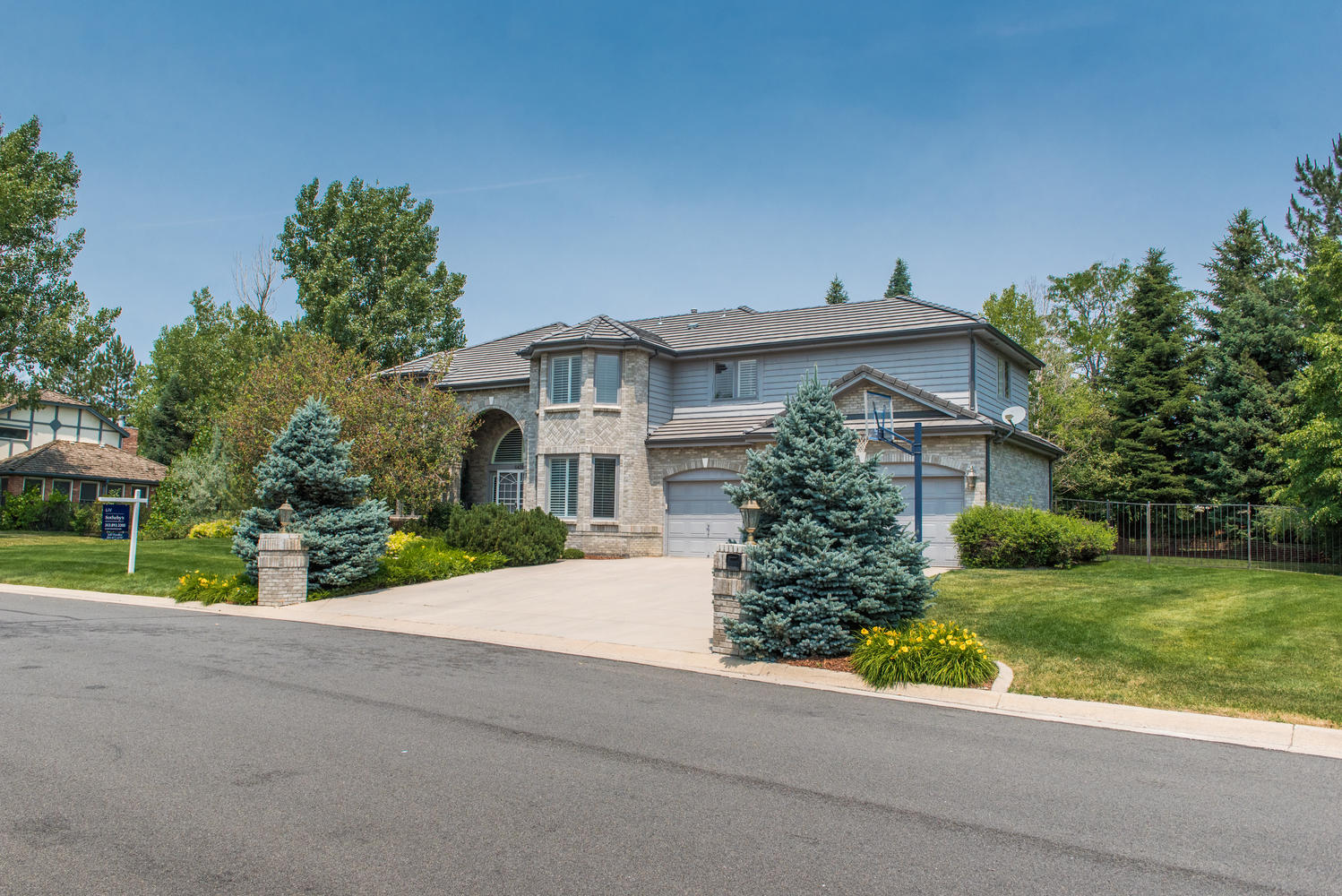 Single Family Home for Sale at Magnificent, Stately and Rare Contemporary Home 6431 E Radcliff Ave Cherry Hills Village, Colorado, 80111 United States