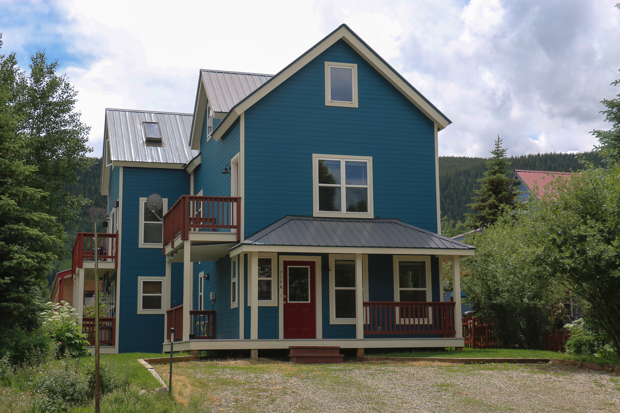 Townhouse for Sale at Newly Remodeled 714 Teocalli Ave #A Crested Butte, Colorado 81224 United States