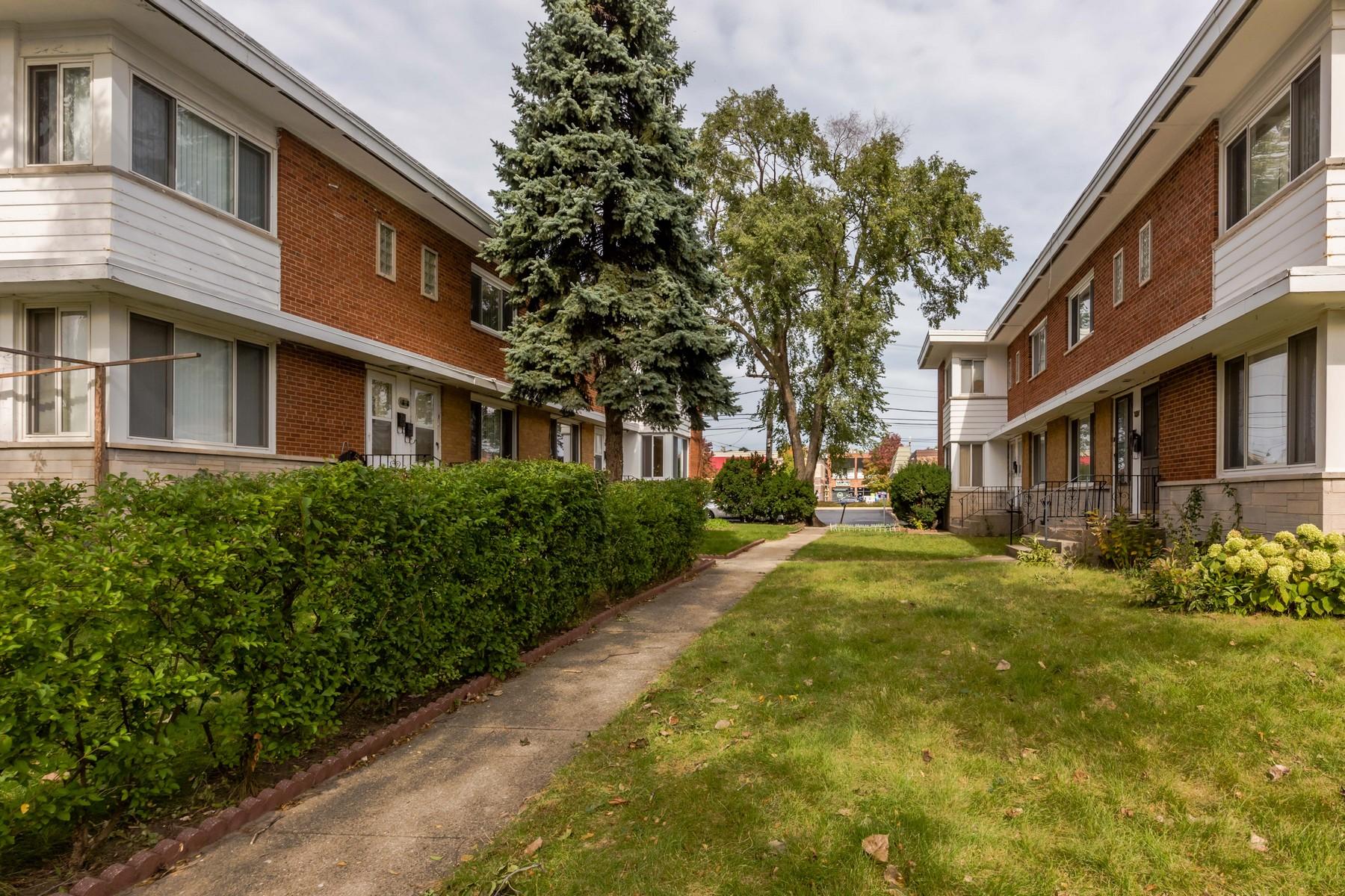 Stadthaus für Verkauf beim Truly Amazing End Unit Townhome 4858 Carol Street Unit D Skokie, Illinois, 60077 Vereinigte Staaten