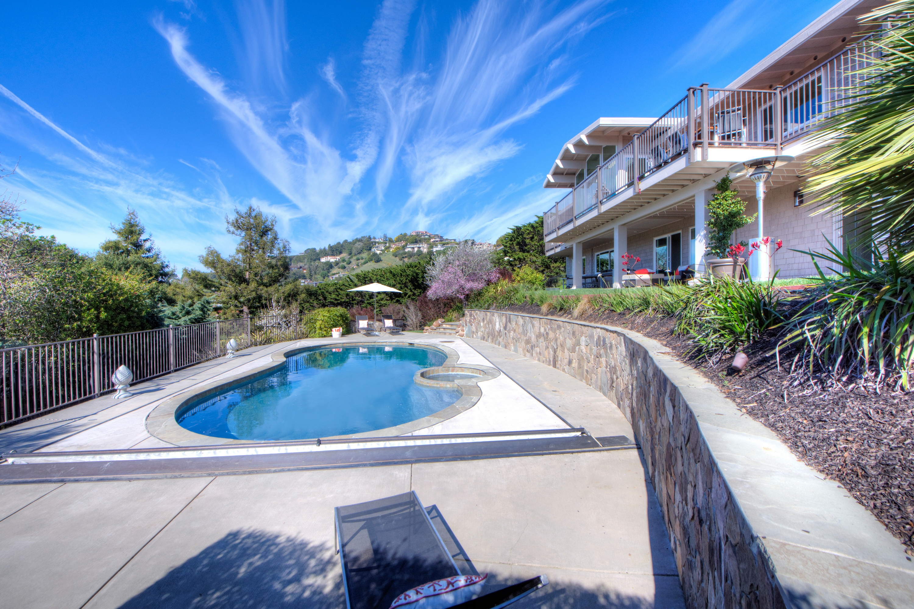 Casa Unifamiliar por un Venta en Height of Style on Mount Tiburon 10 Audrey Ct Tiburon, California, 94920 Estados Unidos