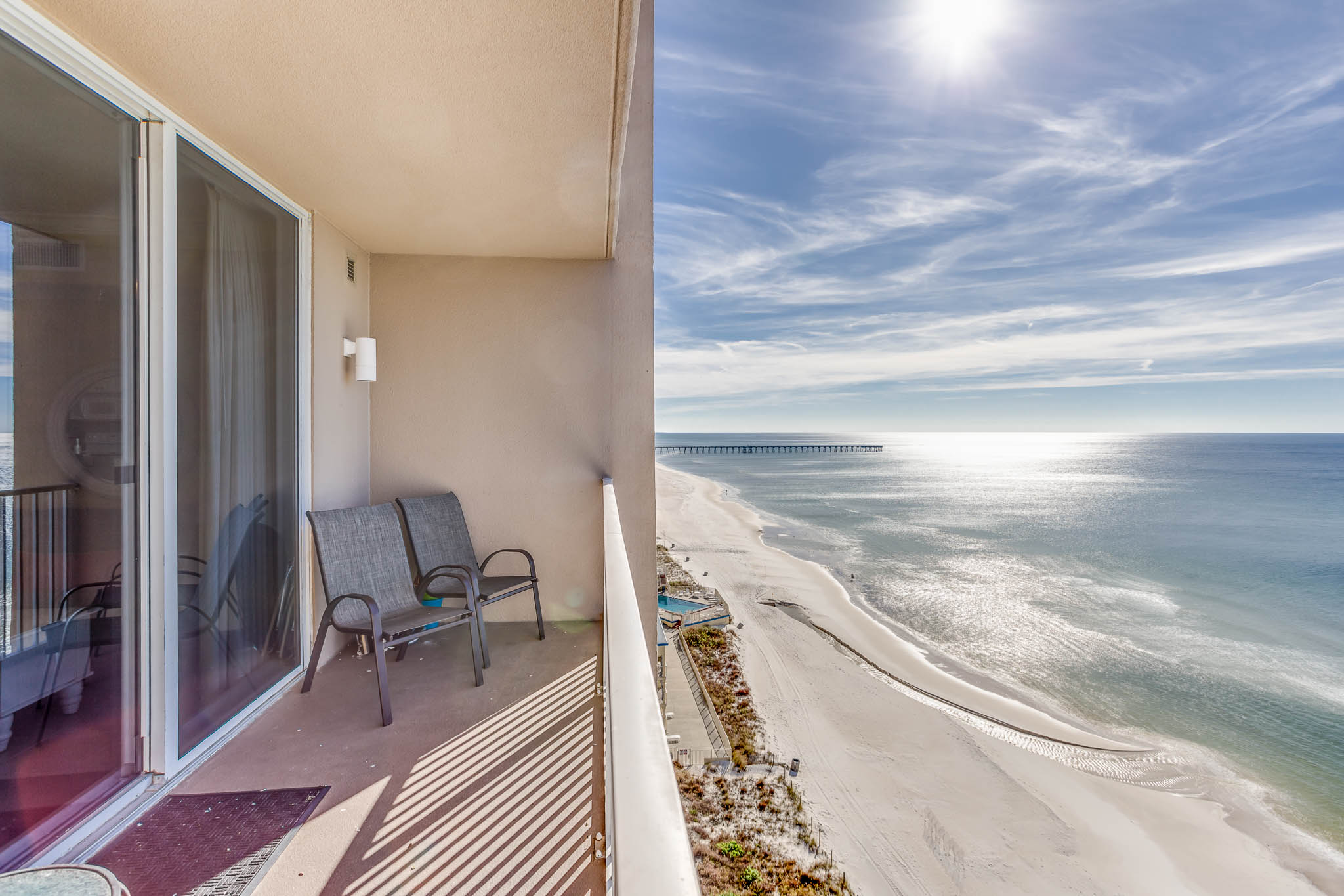 Copropriété pour l Vente à LOW FLOOR CONDO WITH PANORAMIC GULF VIEWS AND LUXURY AMENITIES 16819 Front Beach Road 914 Panama City Beach, Florida, 32413 États-Unis