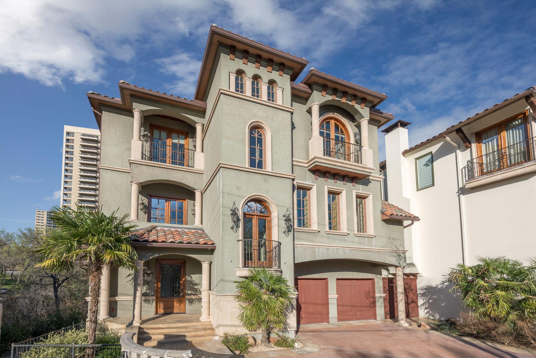 Residência urbana para Venda às Spacious Mediterranean Townhouse 3520 Blackburn Street Dallas, Texas, 75219 Estados Unidos