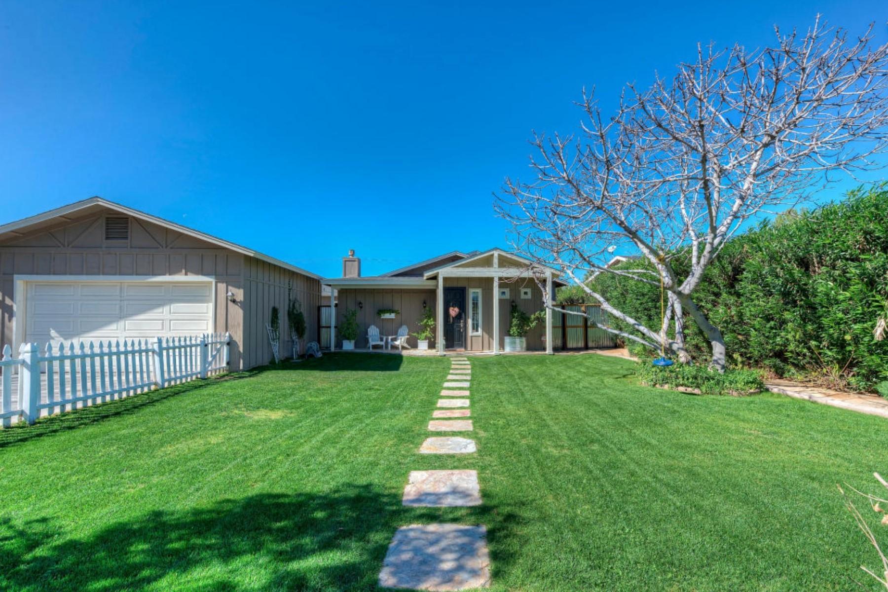 Moradia para Venda às Fantastic Remodeled Home In The Heart Of It All 3612 N 51st Place Phoenix, Arizona 85018 Estados Unidos