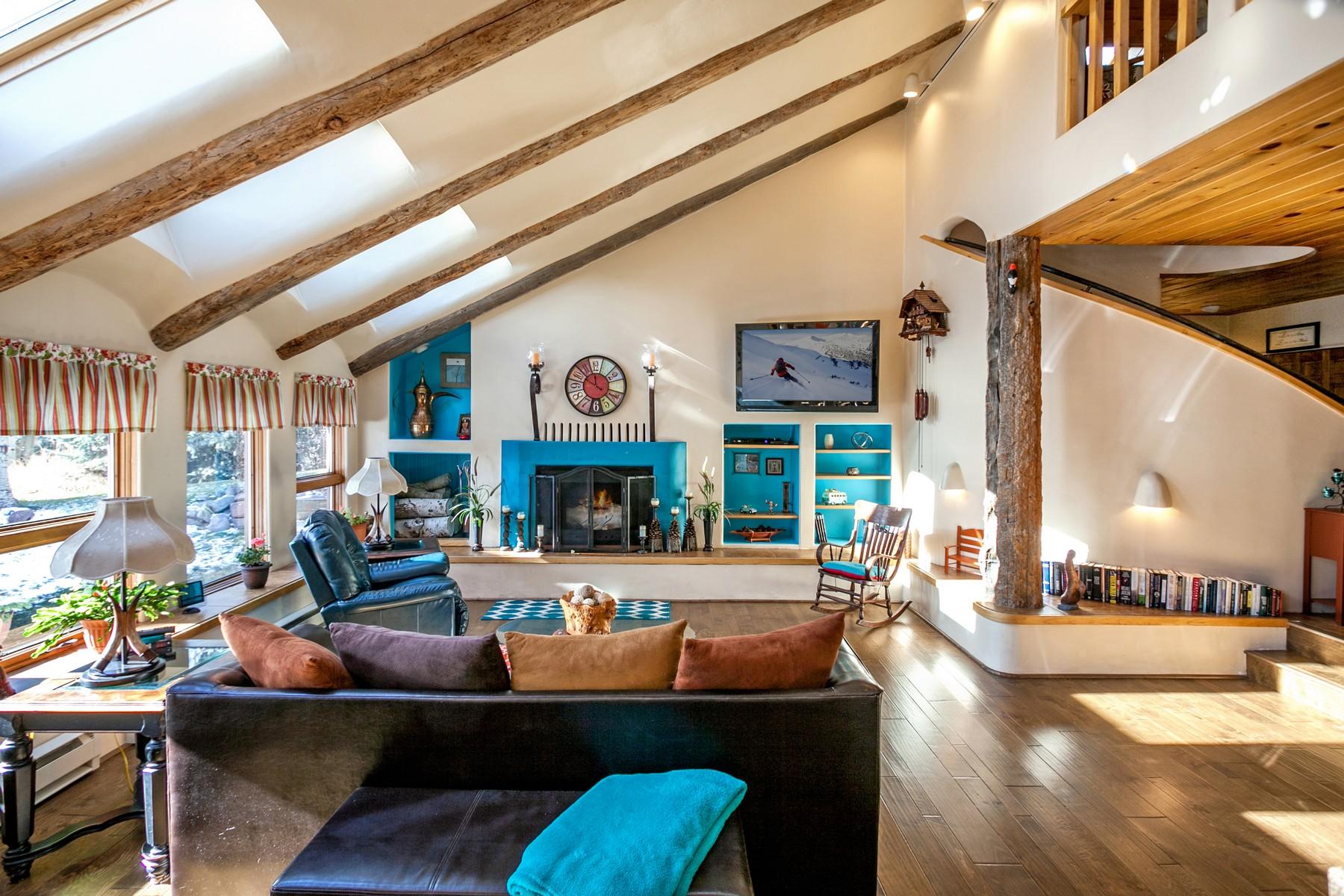 独户住宅 为 销售 在 111 Rawhide Rd 111 Rawhide Road 爱德华兹, 科罗拉多州, 81632 美国