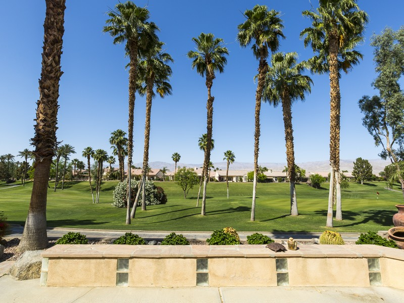 Single Family Home for Sale at 39503 Manorgate Rd Palm Desert, California 92211 United States