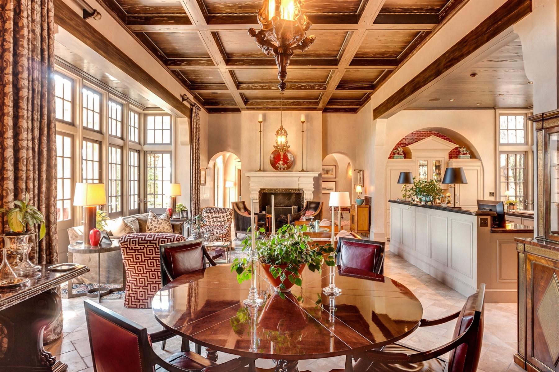 Additional photo for property listing at Villa Tuscan 109 Ledge Lane Chapel Hill, North Carolina 27514 United States