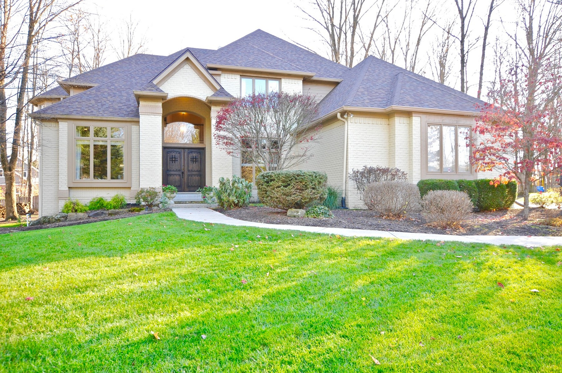 Single Family Home for Sale at Tucked Behind The Gates of Anchorage 10215 Summerlin Way Fishers, Indiana, 46037 United States