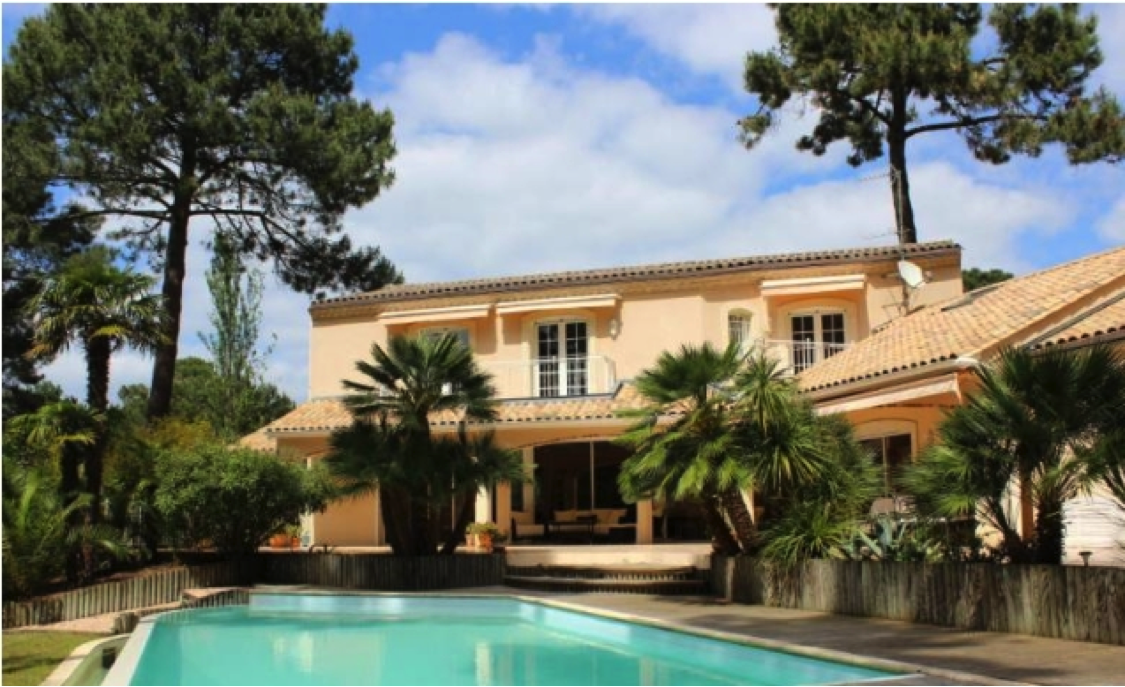Moradia para Venda às Villa 360 m2 Arcachon, Aquitaine França