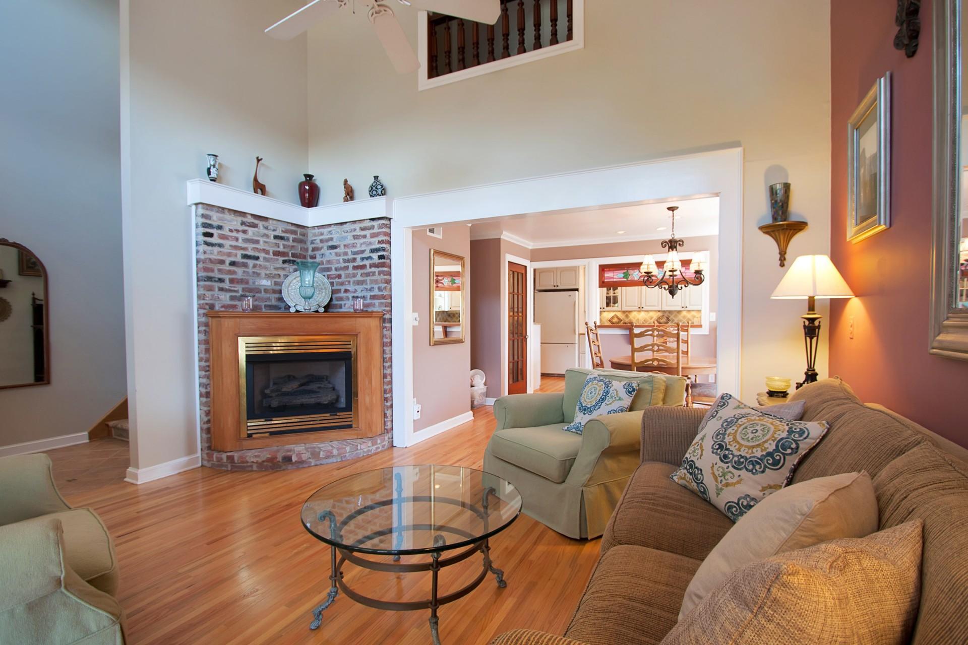 Nhà ở một gia đình vì Bán tại Spacious and Graceful Home 62 Rogers Avenue Manasquan, New Jersey 08736 Hoa Kỳ