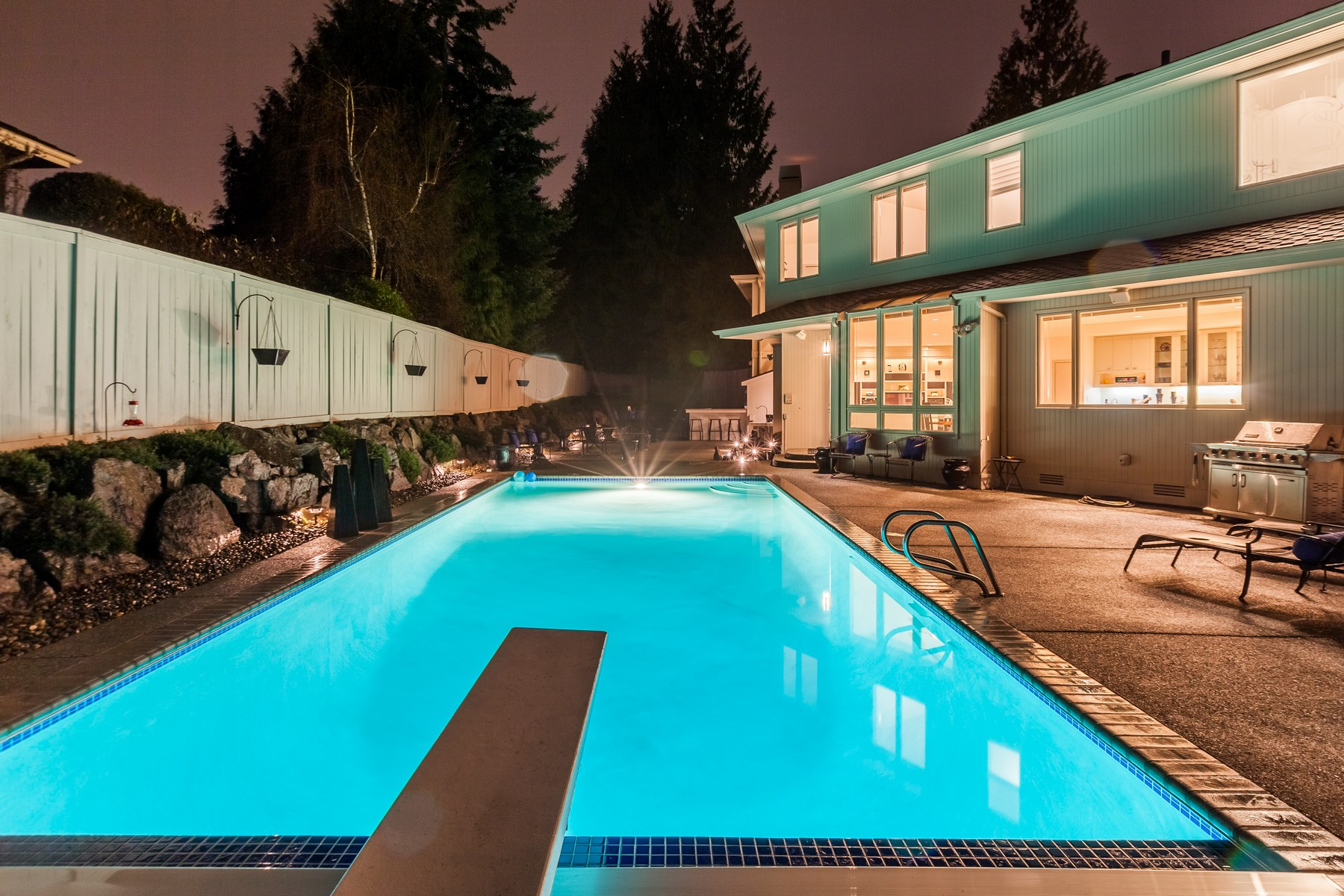 Single Family Home for Sale at Contemporary Montreux Home 5317 Gran Paradiso Place NW Montreux, Issaquah, Washington, 98027 United States