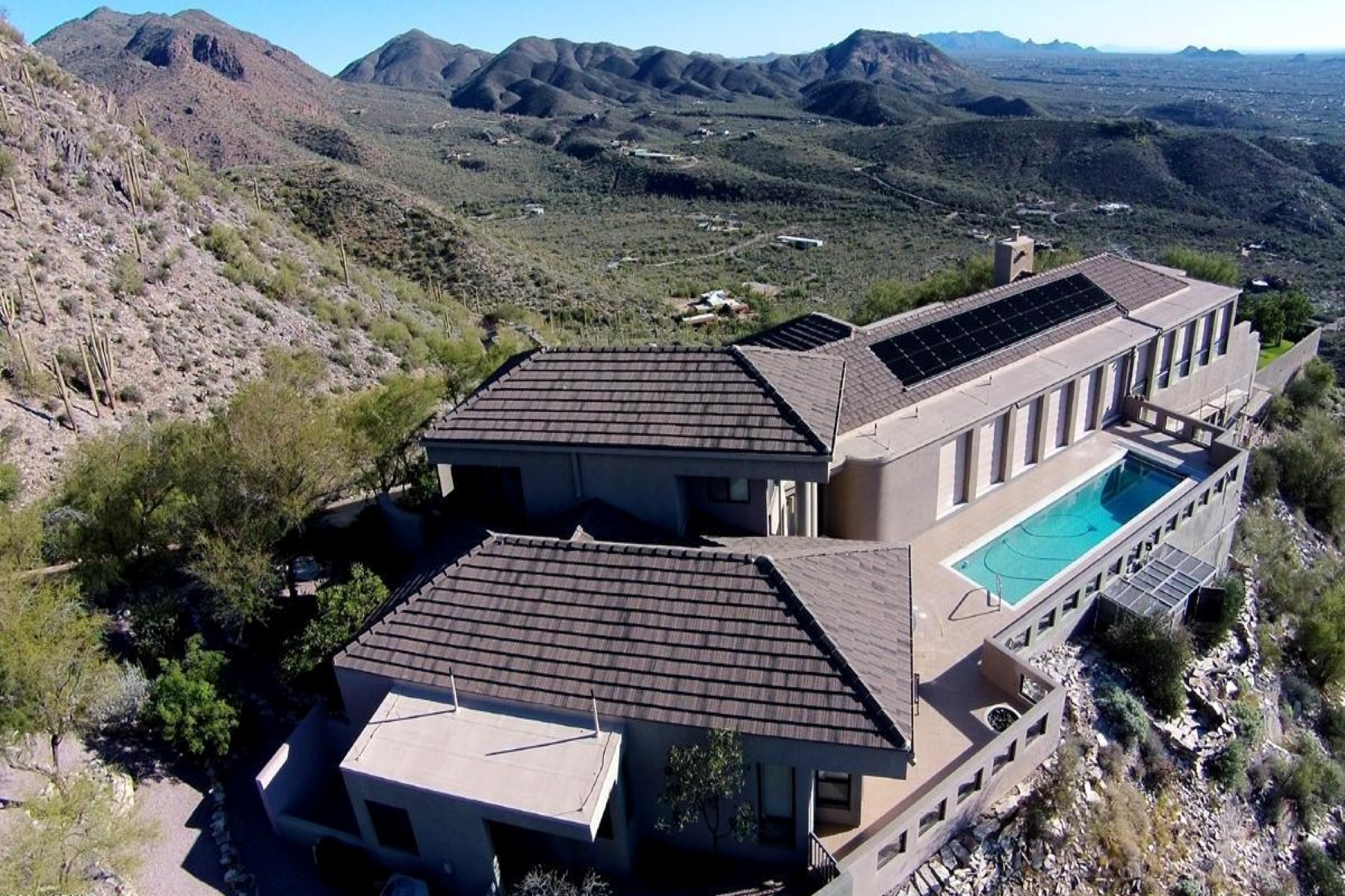 Property For Sale at Phoenix area's most private homes with commanding views