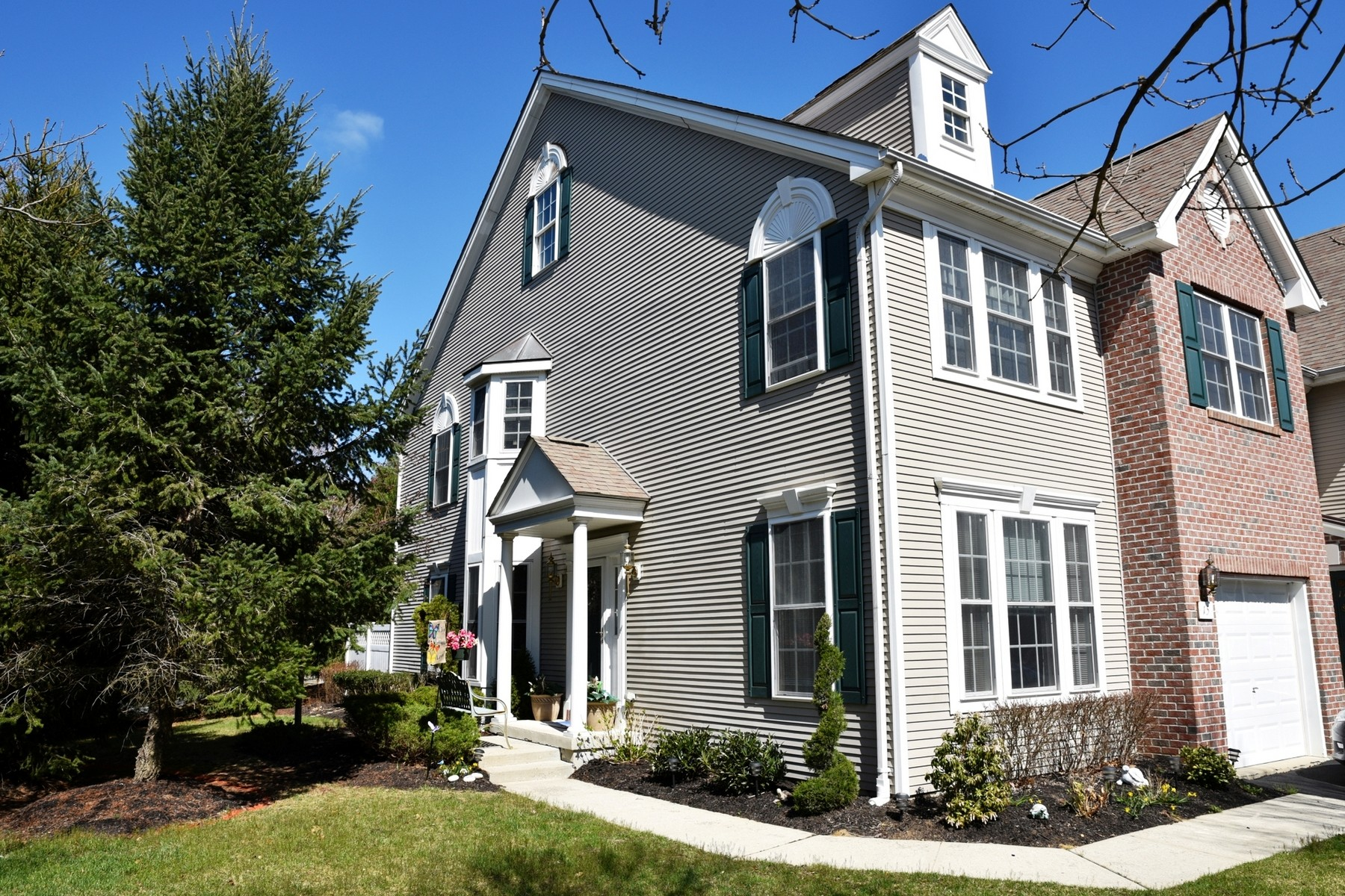 Townhouse for Sale at End Unit Townhouse 15 Ironwood Ct Middletown, New Jersey, 07748 United States