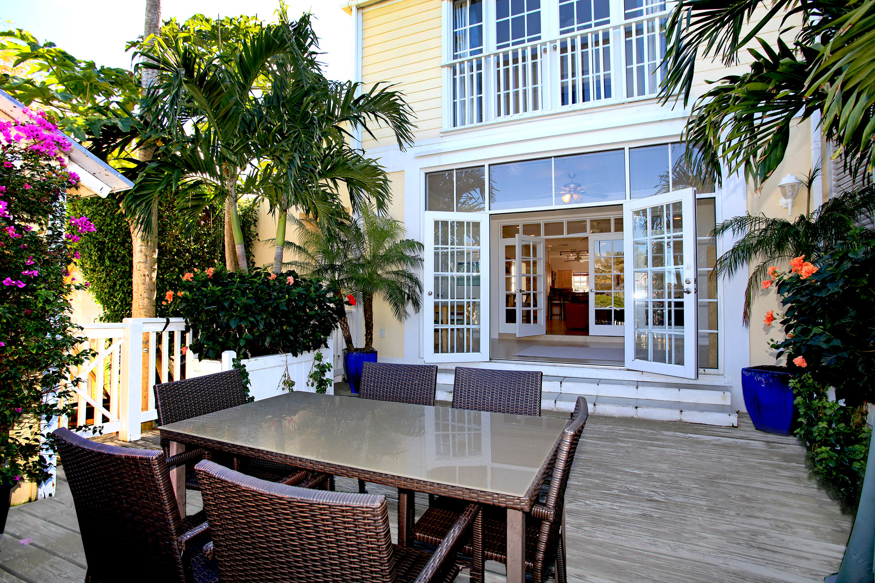 Single Family Home for Sale at Arches Townhouse, Sandyport Sandyport, Cable Beach, Nassau And Paradise Island Bahamas