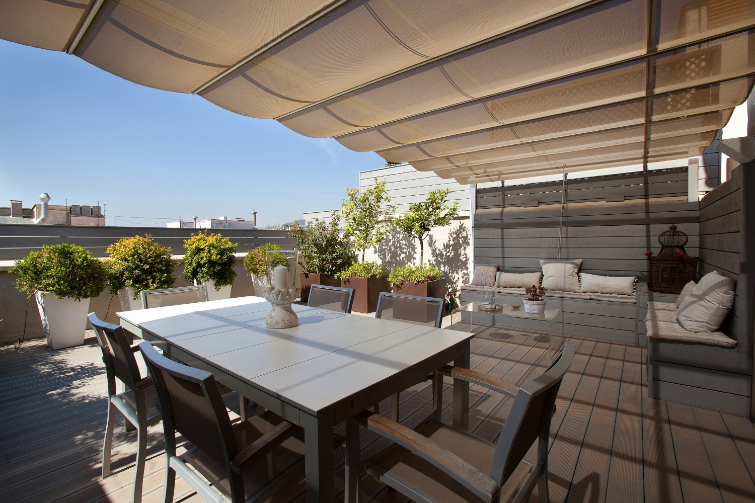 Apartamento por un Venta en Spectacular duplex penthouse with magnificent terraces and tourist license in Ba Barcelona City, Barcelona 08006 España