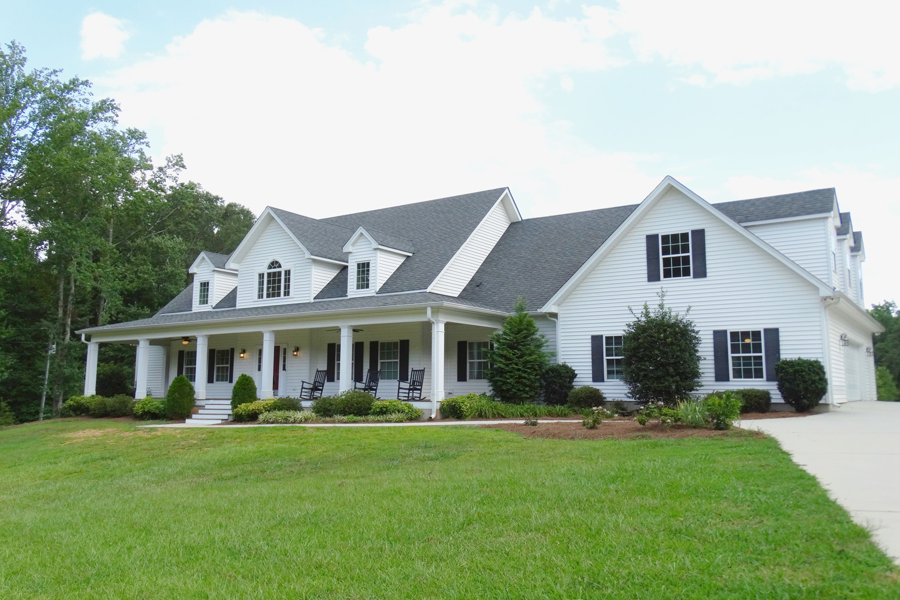 Single Family Home for Sale at Elegant Farmhouse Style Living 521 Christopher Road Sharpsburg, Georgia, 30277 United States