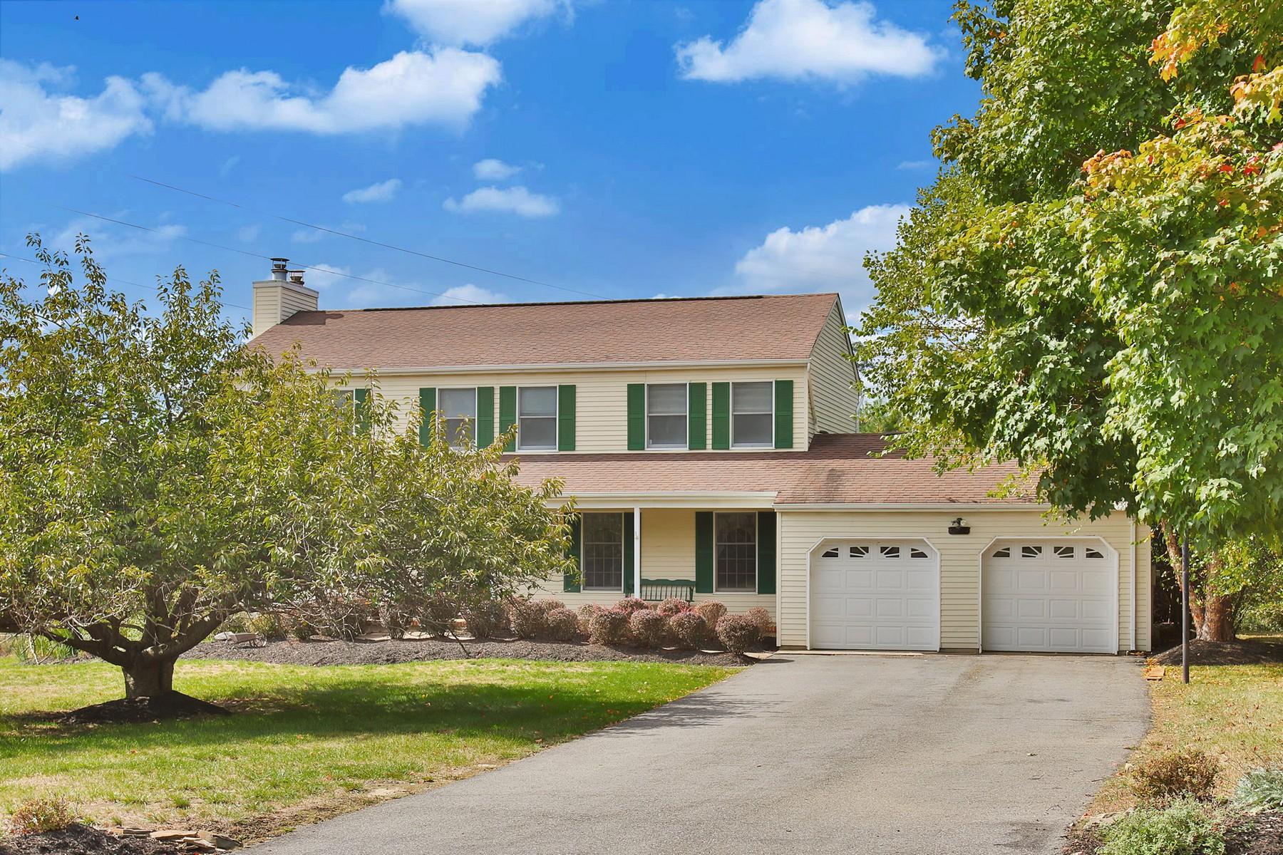 Maison unifamiliale pour l Vente à 19 Longview Drive Colts Neck, New Jersey 07722 États-Unis