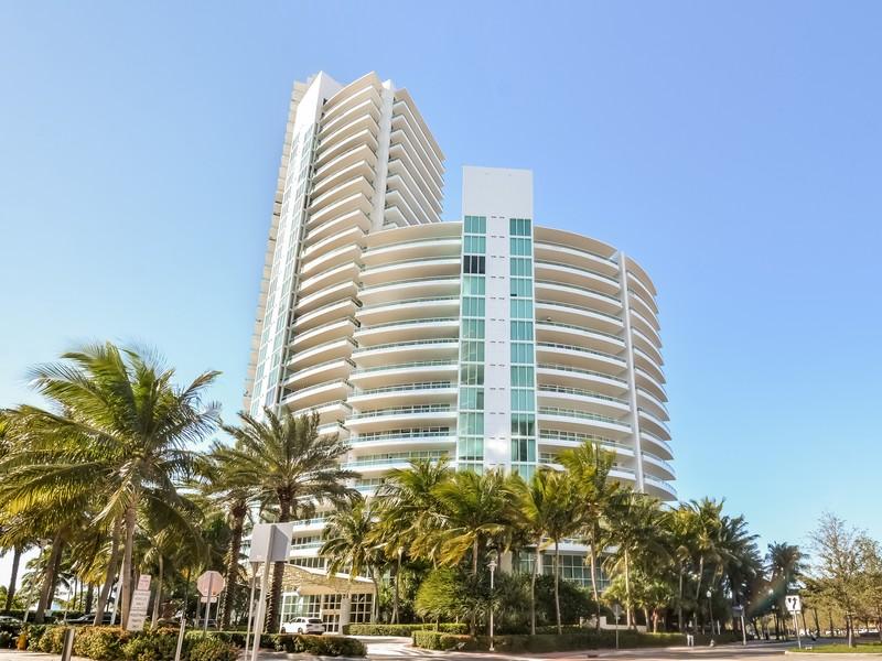 Nhà chung cư vì Bán tại 1000 S Pointe Dr Unit 1107 Miami Beach, Florida 33139 Hoa Kỳ
