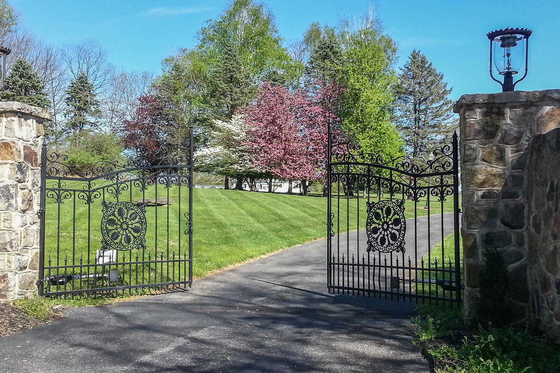 단독 가정 주택 용 매매 에 Springfield, PA 3320 Funks Mill Rd. Springfield, 펜실바니아, 18077 미국