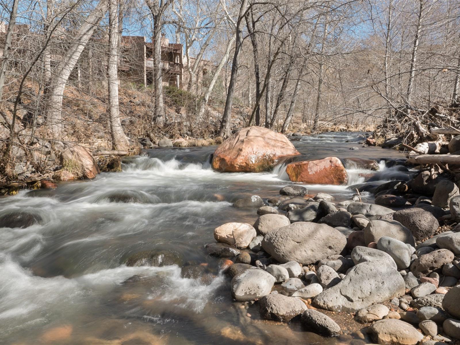 Arazi için Satış at Rare, Creek Front Sedona Property 380 Bear Wallow Sedona, Arizona 86336 Amerika Birleşik Devletleri