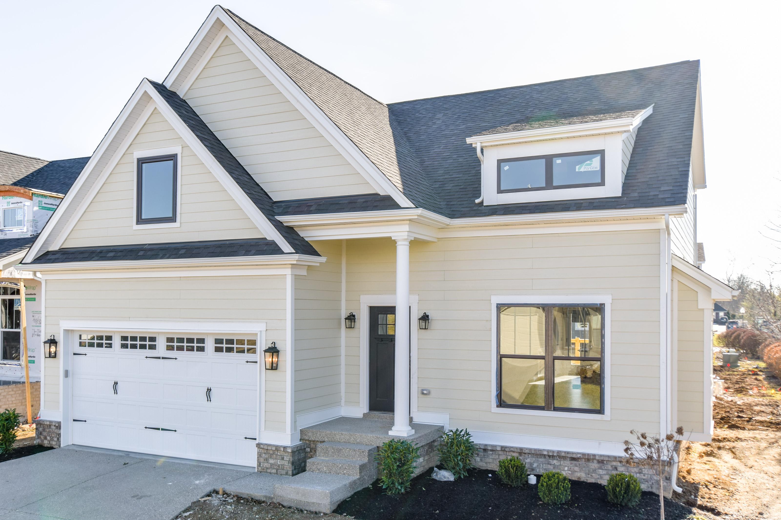 Частный односемейный дом для того Продажа на 1704 Coral Court Prospect, Кентукки 40059 Соединенные Штаты