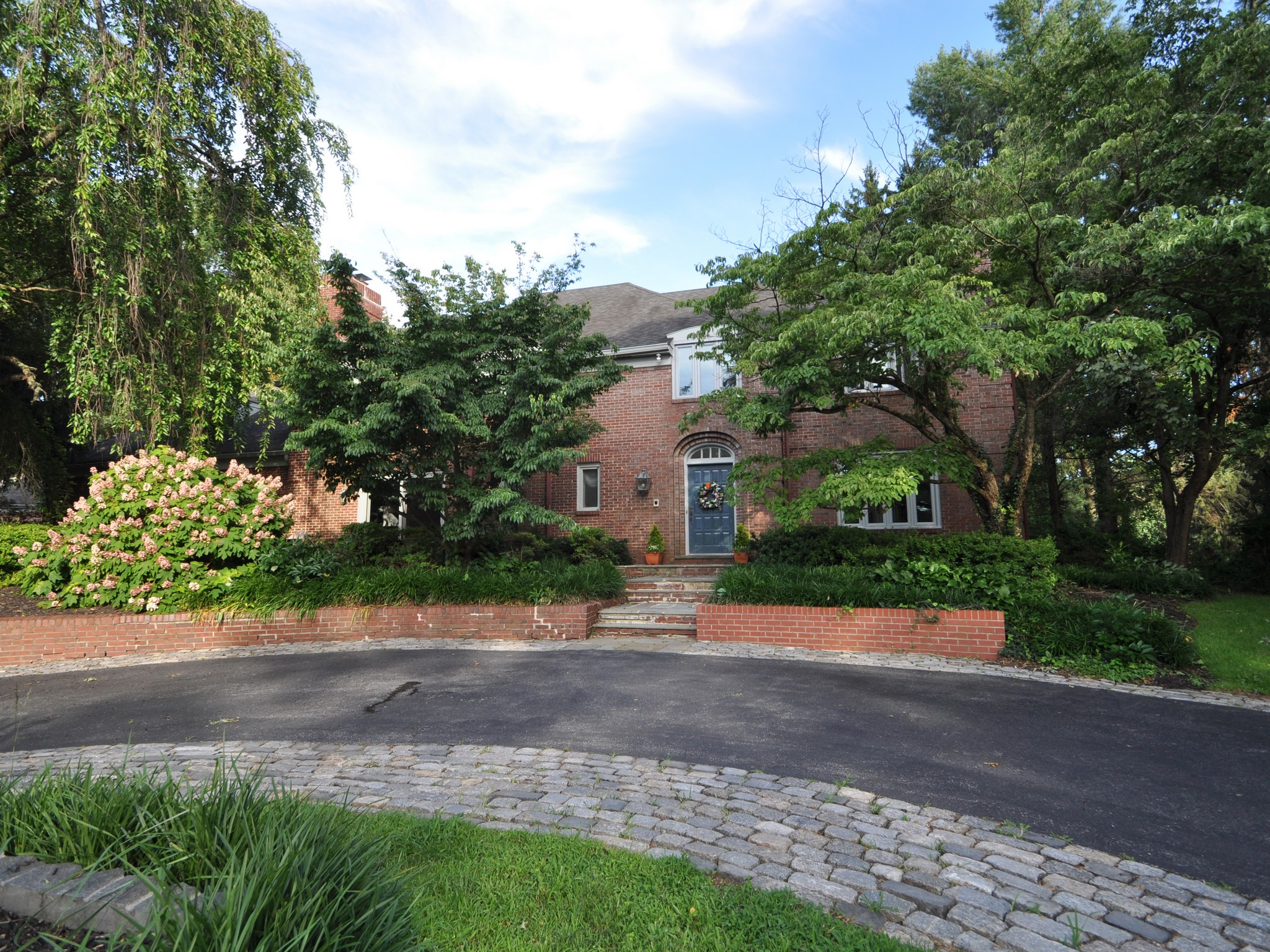 Single Family Home for Sale at Owls Nest Rd 402 Owls Nest Road Wilmington, Delaware 19807 United States