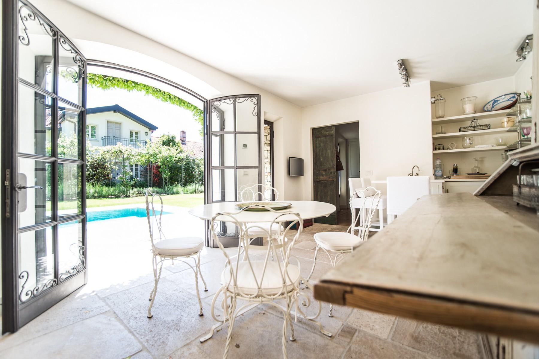 Additional photo for property listing at Gorgeous villa with dependance overlooking Lake Como Via Vittorio Veneto Cernobbio, Como 22012 Italien