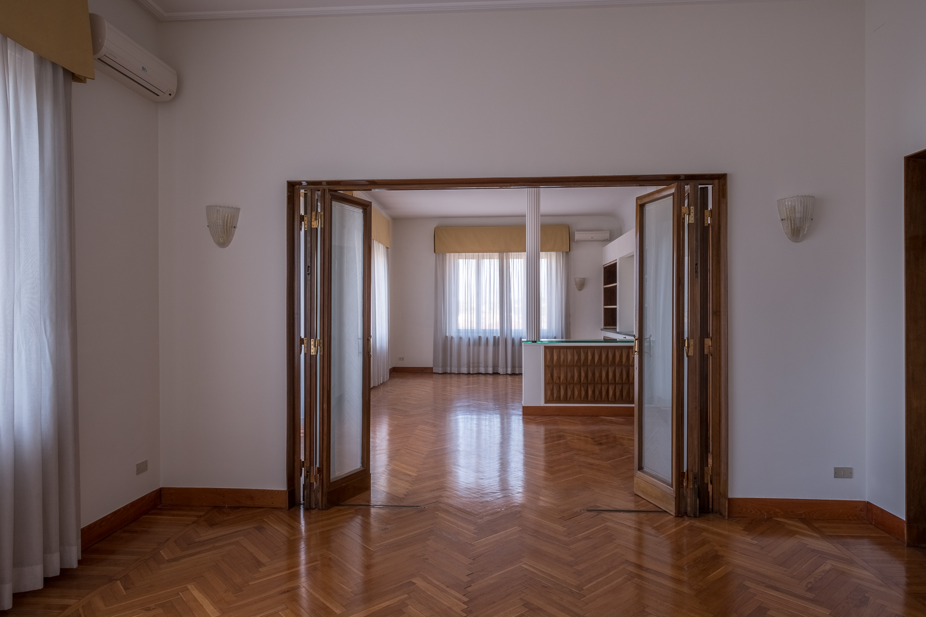 Additional photo for property listing at Beautiful apartment with views over Florence Firenze, Florence Italien