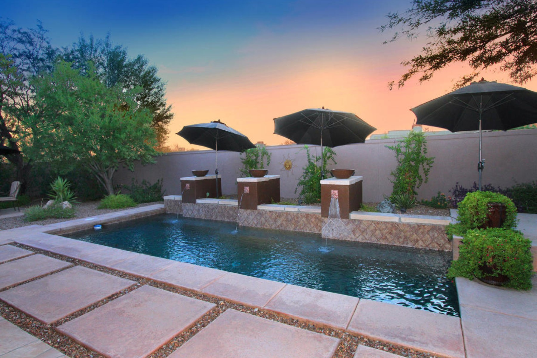 Single Family Home for Sale at Stunning Rancho Vistoso golf residence located in gated upscale community. 13869 N Steprock Canyon Place Oro Valley, Arizona 85755 United States