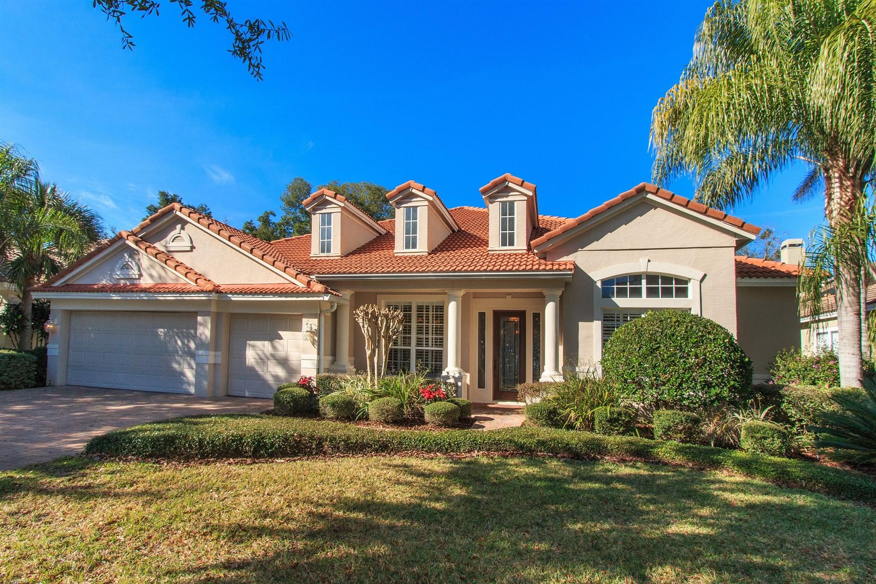 Casa para uma família para Venda às Lake Mary. Florida 1052 Surreywood Lane Lake Mary, Florida 32746 Estados Unidos