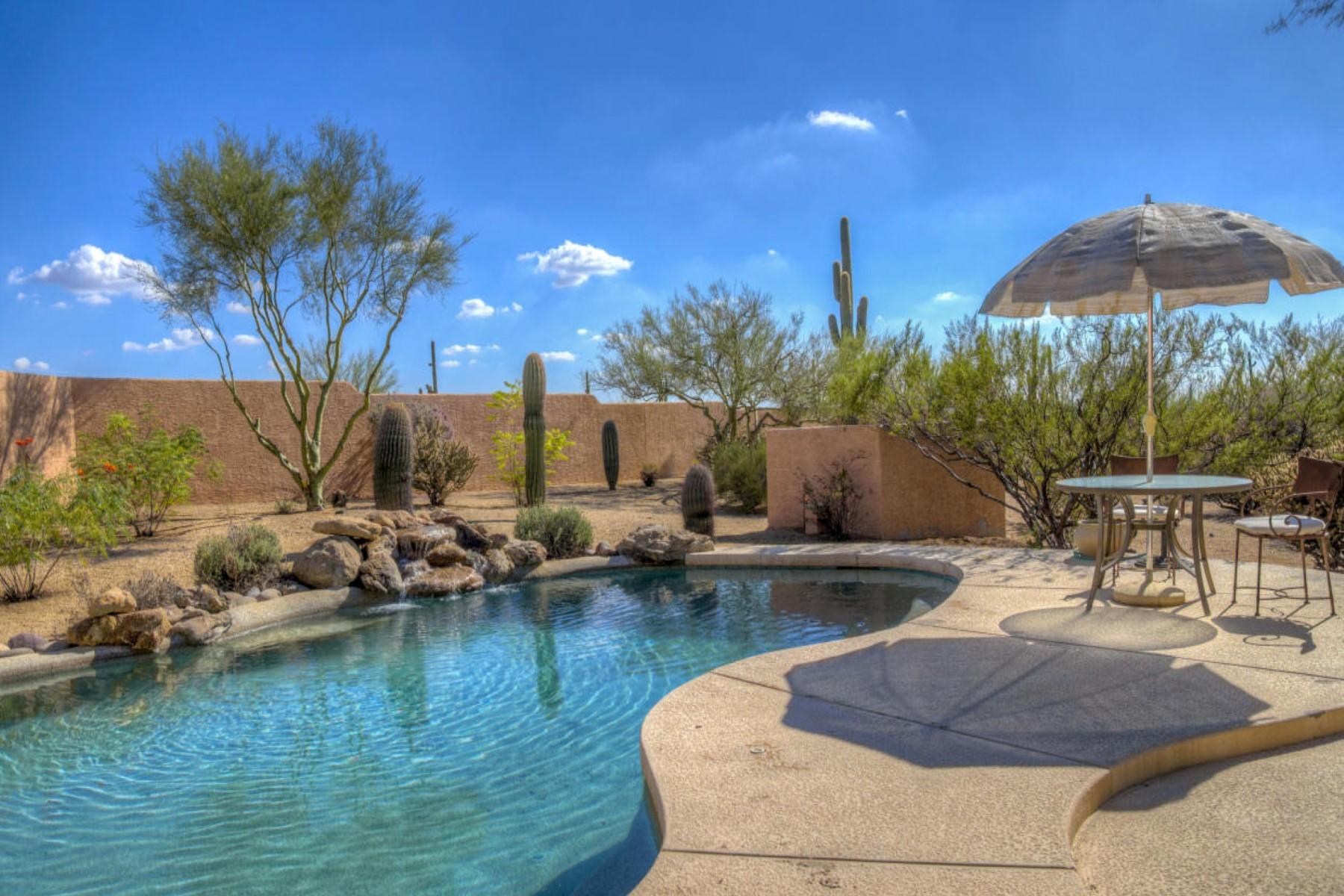 Casa para uma família para Venda às Custom home surrounded by Sonoran Desert 29678 N 80TH ST Scottsdale, Arizona 85266 Estados Unidos
