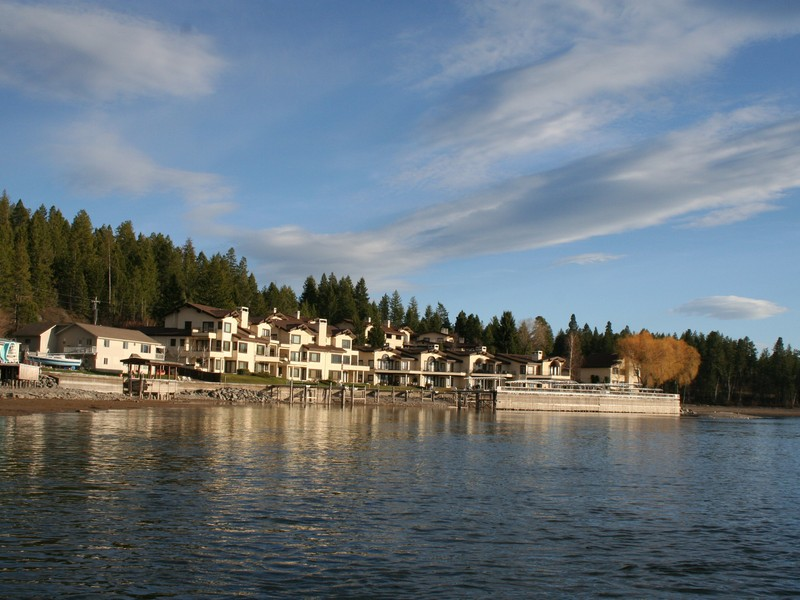 Condominium for Sale at Sunser Point Condo Pebble Way at Sunset Point 23 Bigfork, Montana 59911 United States