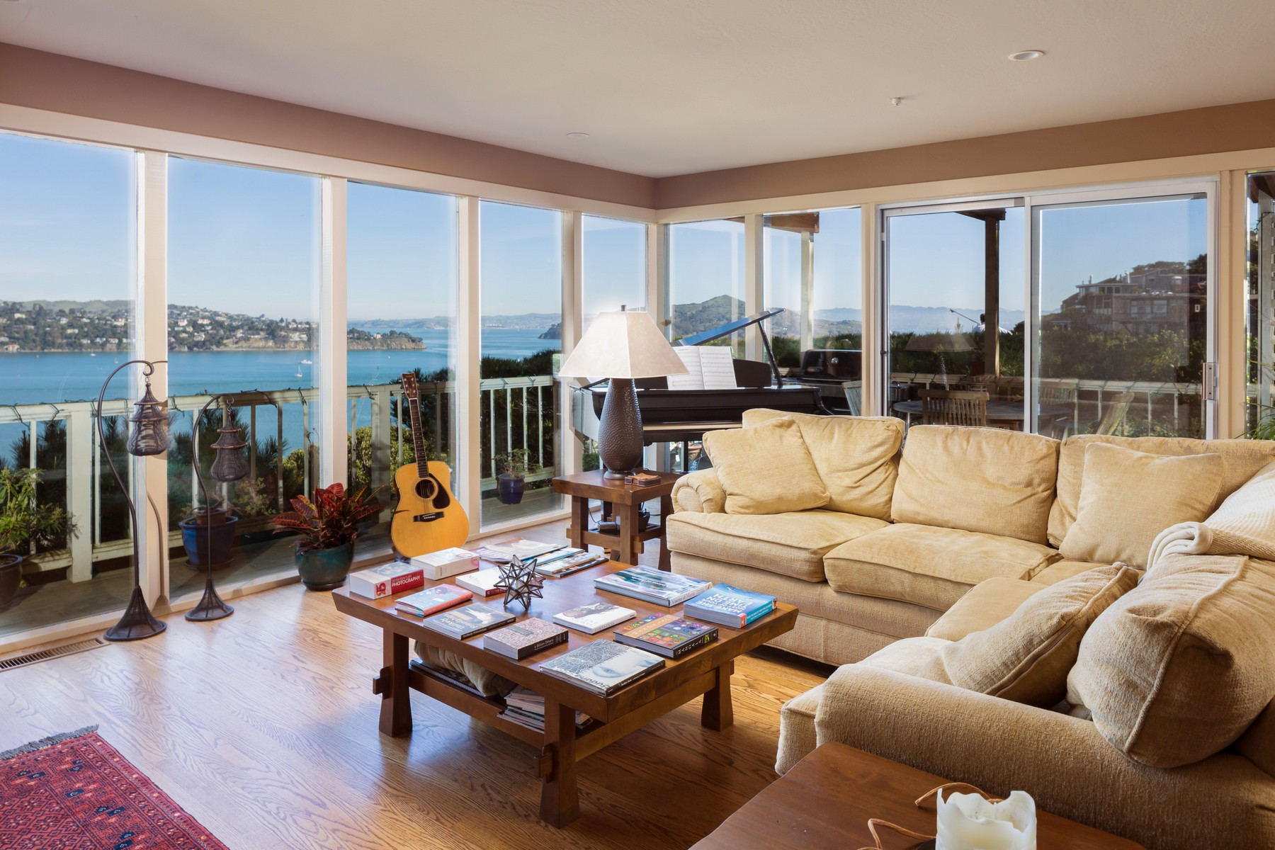 Property For Sale at Sausalito Pied-A-Terre with Panormic Views!