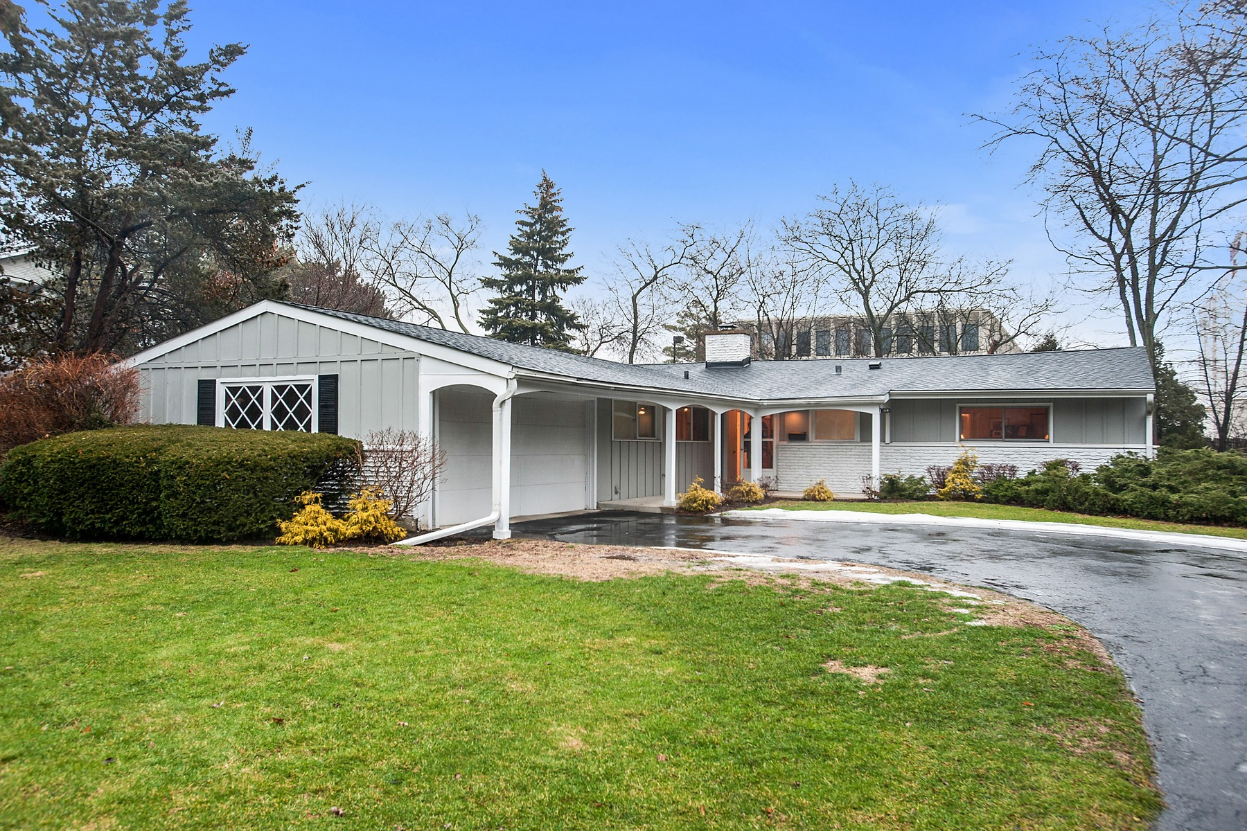 Single Family Home for Sale at Spacious and Light Filled Ranch 114 Lockerbie Lane Wilmette, Illinois, 60091 United States